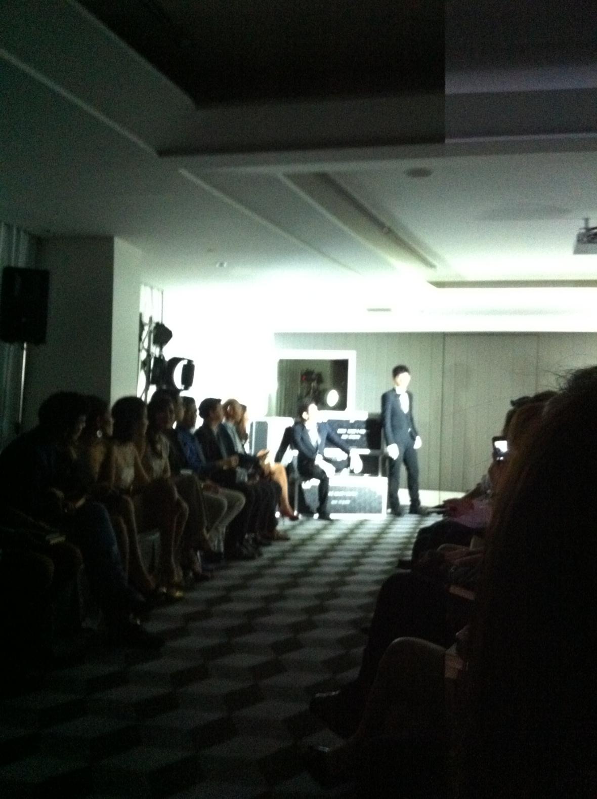 pq Eyewear by Ron Arad_Yayaying-Rhatha Phongam (ญาญ่าญิ๋ง-รฐา โพธิ์งาม)_New-Chaiyapol Julien Poupart (นิว ชัยพล จูเลี่ยน พูพาร์ค)_MSI_Modeling_08