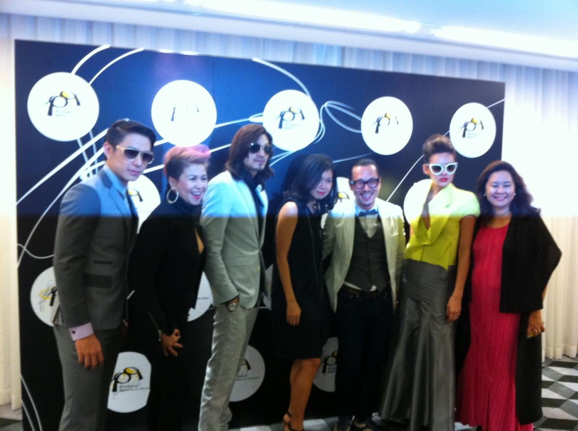 pq Eyewear by Ron Arad_Yayaying-Rhatha Phongam (ญาญ่าญิ๋ง-รฐา โพธิ์งาม)_New-Chaiyapol Julien Poupart (นิว ชัยพล จูเลี่ยน พูพาร์ค)_MSI_Modeling_10