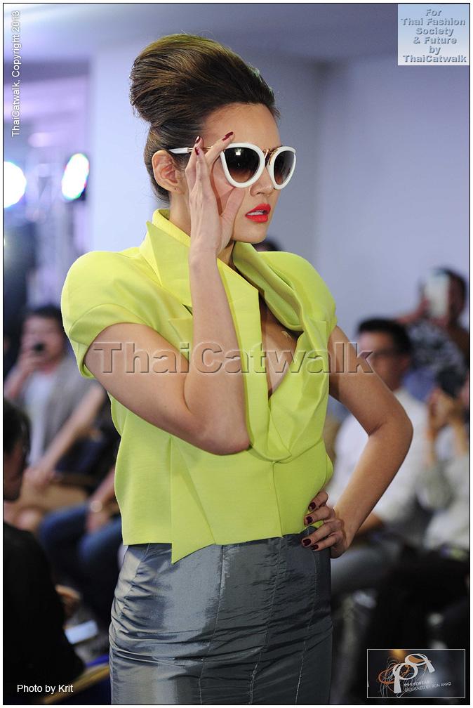 pq Eyewear by Ron Arad_Yayaying-Rhatha Phongam (ญาญ่าญิ๋ง-รฐา โพธิ์งาม)_New-Chaiyapol Julien Poupart (นิว ชัยพล จูเลี่ยน พูพาร์ค)_MSI_Modeling_30