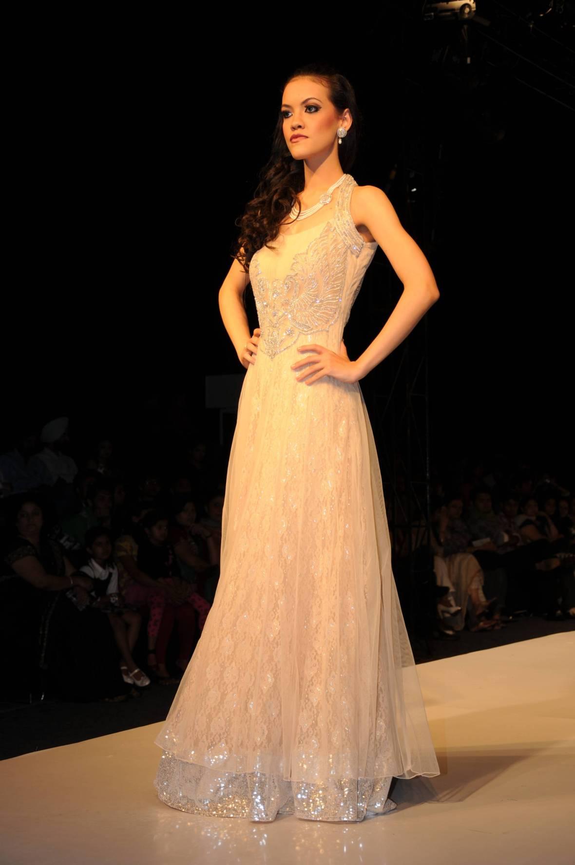 Alana@Model Society International (MSI) Modeling Agency in Bangkok Thailand By Miss Josie Sang (20)