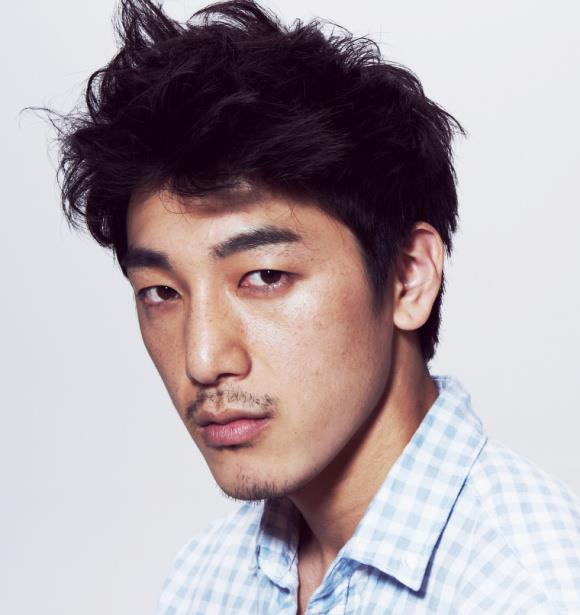 Korean Male Model Tumb...