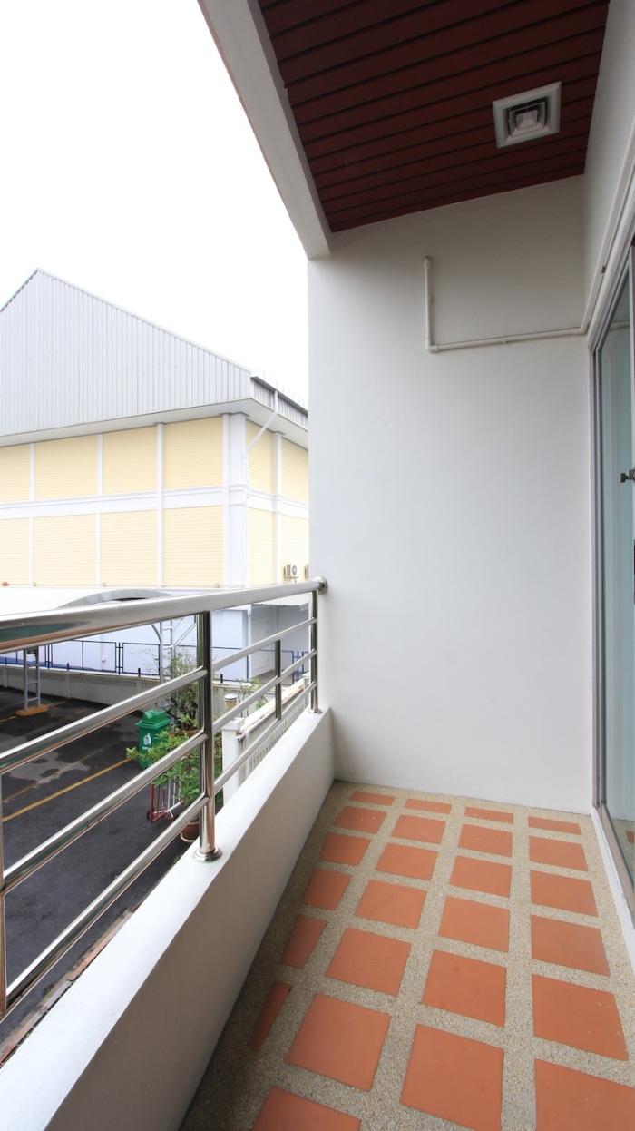 1 Bed Room Suites-Sarin Suites Sukhumvit Apartment For Rent_201 (7)