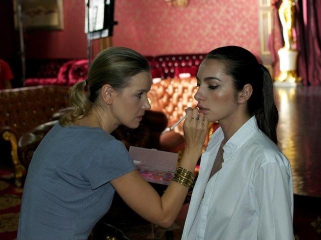 Professional Make Up Artist – Natalie Lorence (12)