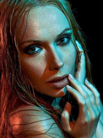 Professional Make Up Artist – Natalie Lorence (21)
