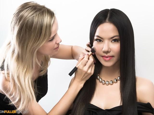 Professional Make Up Artist – Natalie Lorence (24)